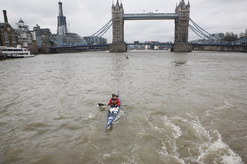 Kayaking out from Tower Bridge (Photo: Jim Shannon)