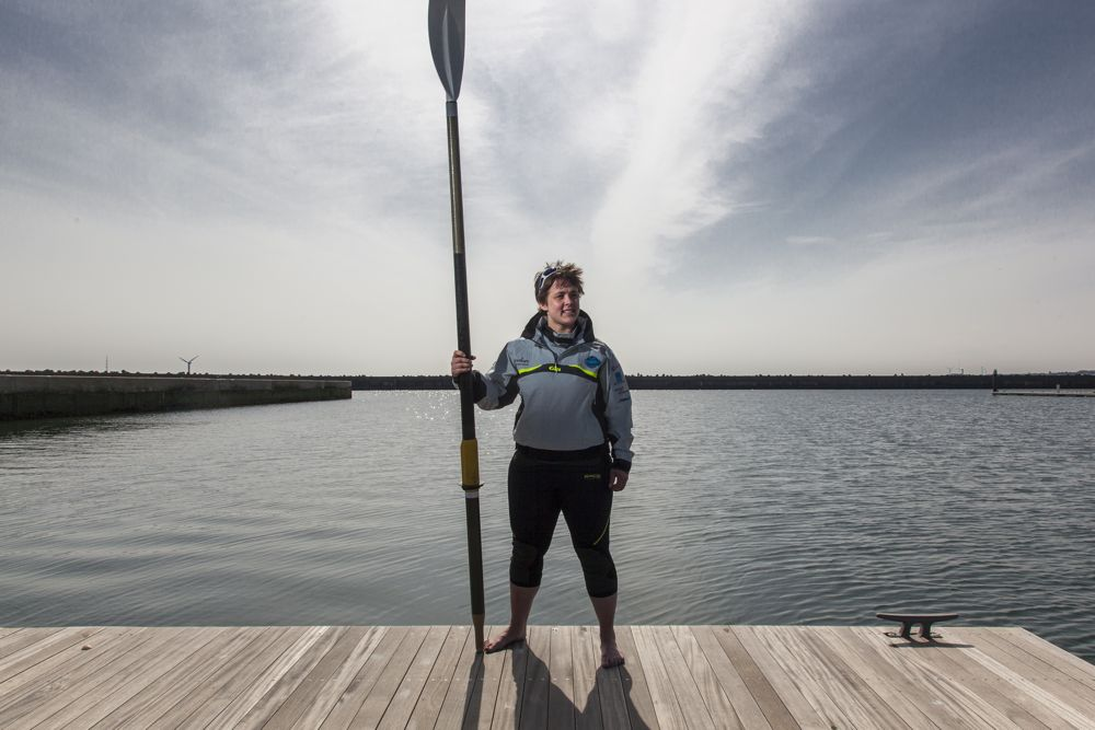 NB. I will actually be using two oars to row...