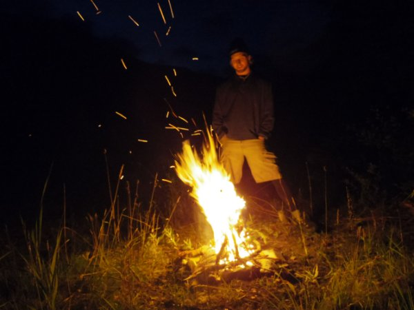 Iseyah made the night more friendly with a fire